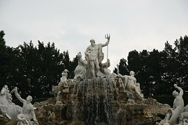 fountain-416657__180