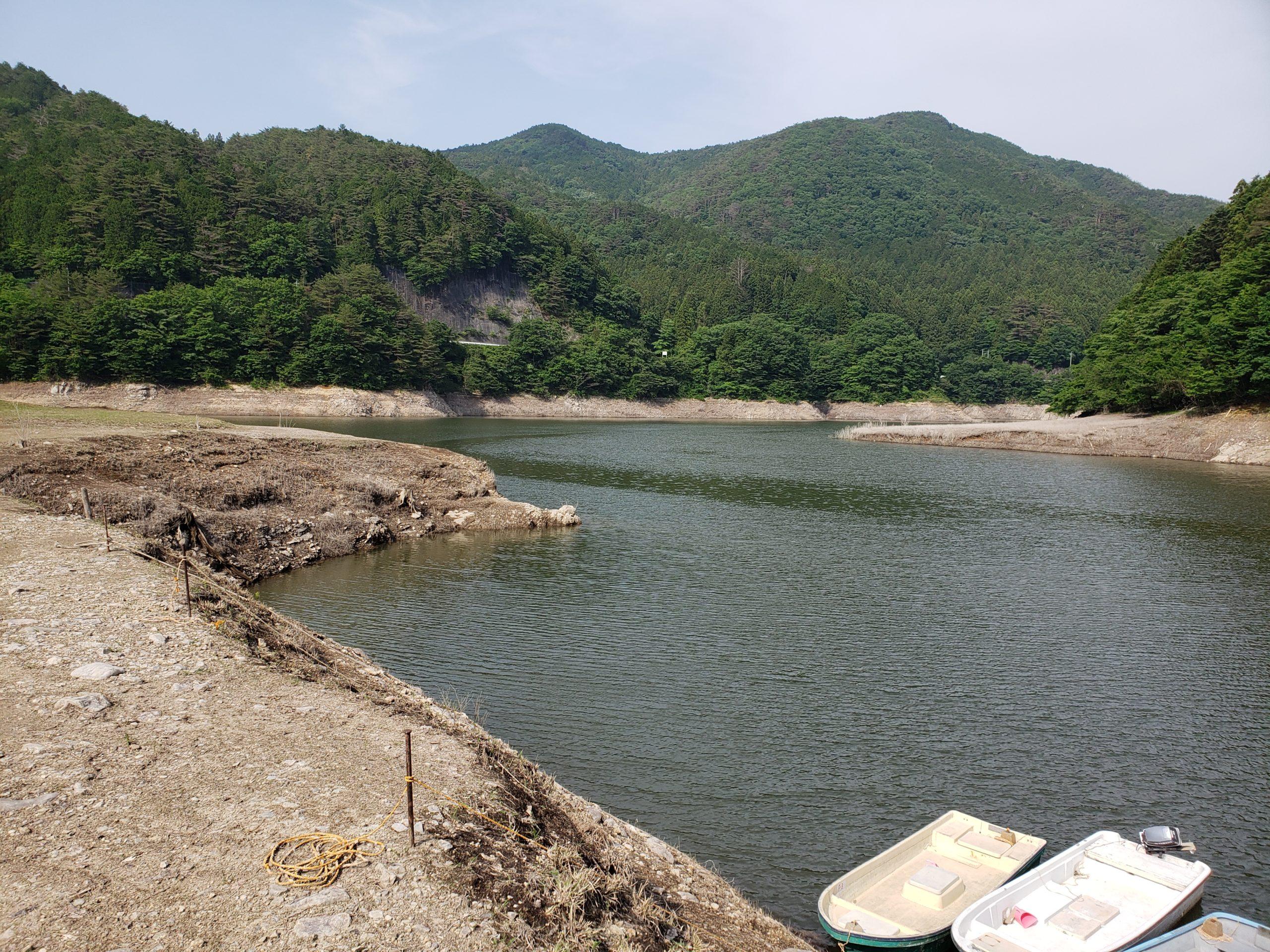 東古屋湖釣り場
